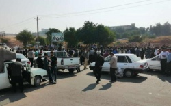 تجمع مسالمت آمیز مردمی در اعتراض به گرانی بنزین در شهرستان مسجدسلیمان + تصاویر