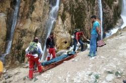 سقوط زوج کوهنورد از ارتفاعات کوه کینو باعث مرگ یکی از آنان شد