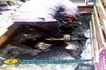 جوشش مواد نفتی از مغازه ای در منطقه ۱۷ شهریور مسجدسلیمان/ چاره اندیشی نشود باید منتظر عواقب ناگوار آن باشیم+ تصاویر