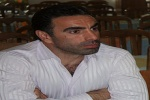 محمود فکری وارد مسجدسلیمان شد/ هم اکنون نشست فکری با اعضای هیئت مدیره باشگاه نفت مسجدسلیمان