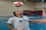 ۹ ساعت و ۴۵ دقیقه بدون وقفه حرکات با توپ فوتبال، برگ زرین دیگر بر افتخارات حسین عالی محمدی به ثبت رسید